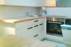 Landhaus Sonnenstern - Suite Kueche - suite kitchen Virtual Tour, Kitchen Cabinets, Home Decor, Farmhouse, Decoration Home, Room Decor, Kitchen Base Cabinets, Dressers, Kitchen Cupboards