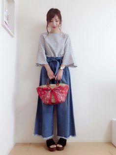 こんばんは⌣̈⃝♡⌣̈⃝♡  *☼*―――――*☼*―――――  GUのフレアスリーブのトップスにINGNIのワイドパンツ💗おNEWアイテムです❤️  JELLY BEANSのサンダルほんと履きやすい😂✨  *☼*―――――*☼*―――――  Instagram→miku.wearよろしくお願いします🙏✨  いつもご覧いただきありがとうございます❤️❤️❤️ Girl Fashion, Japanese Style, Dress Up, Style Inspiration, How To Wear, Clothes, Vintage, Smile, Women