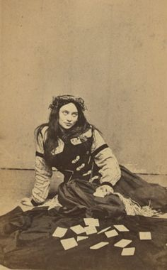 Jones Jones this looks just like magistra…….i found it on this website that has lots of old pictures….aparently she's a fortune teller from the a little creepy Vintage Pictures, Old Pictures, Vintage Images, Old Photos, Morgana Le Fay, Pierrot Clown, Foto Portrait, Gypsy Life, Fortune Telling
