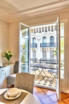 French Riviera Rental Apartments - Sancerre -- dining room with balcony