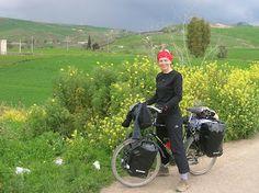 pedaleando el mundo   mujeresviajeras.com