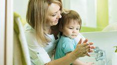 Čisté ruky sú základ. Recepty na výrobu domácej dezinfekcie a mydla - AhojMama.sk Children, Alcohol, Young Children, Boys, Kids, Child, Kids Part, Kid, Babies