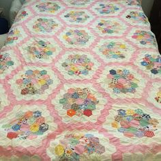VINTAGE QUILT TOP 1920 TO 1930s - Grandmothers Flower Garden