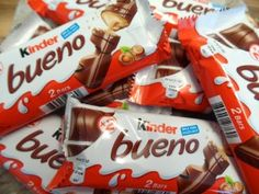 Kinder Bueno Fudge - She Who Bakes Chocolate Candy Brands, Dairy Milk Chocolate, Chocolate Gifts, Chocolate Lovers, Fudge, Cupcakes, Chocolates, Burfi Recipe, Snack Recipes