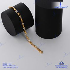 Designs that compel to say I Loved it. Gold Chain Design, Gold Ring Designs, Gold Bangles Design, Gold Jewellery Design, Jewelry Design Earrings, Gold Earrings Designs, Jewelry Bracelets, Gold Pendants For Men, Gold Mangalsutra Designs