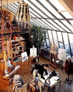 Artist Ruben Toledo and Fashion Designer Isabel Toledo's Atelier - A Great Room -- New York Magazine - Nymag - Ideally this is my dream home, at least a part of it.Love Isabel and Ruben Toledo's pad Atelier. Art Studio Design, My Art Studio, Studio Ideas, Artist Home Studio, Art Studio Decor, Painting Studio, Small Studio, Artist Painting, Nyc Studio