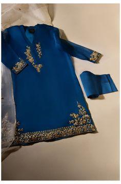 Pakistani Fancy Dresses, Pakistani Fashion Casual, Pakistani Wedding Outfits, Pakistani Dress Design, Pakistani Couture, Muslim Fashion, Indian Dresses, Indian Outfits, Fancy Dress Design