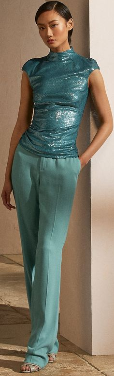 Fashion 2020, Runway Fashion, Fashion Trends, Ralph Lauren Collection, Couture Fashion, Style Inspiration, Formal Dresses, Fashion Design, Turquoise