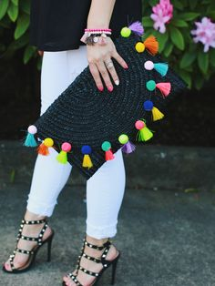 The perfect spring accessories - pom pom clutch and studded shoesThe only bags you'll need this summer: Straw totes, pom poms and more! Pom Pom Clutch, Sacs Design, Chloe Bag, Studded Heels, Boho Bags, Mickey And Friends, Handmade Bags, Handmade Clutch, Crochet Bags