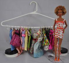 An idea for storing doll clothes! From: Desperately Seeking Dolls Barbie Stuff, Doll Stuff, Barbie Clothes, Doll Organization, Organizing, Barbie Storage, Barbies Dolls, Club Style, Barbie Friends