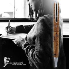 Einzigartige Holzarten, die von Michael Richards von Personality  Pens in Kapstadt geformt wurden. Wollen Sie jemanden verwöhnen oder sich selbst  verwöhnen, indem Sie den Geschmack der Authentizität wieder entdecken? Weitere Informationen finden Sie unter capsunshop. Web Design, Graphic Design, Wooden Pens, Personality, Creations, Unique, Photographs, Cape Town, Types Of Wood