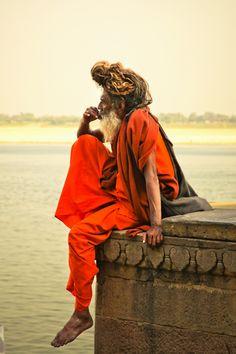 A monk or a sadhu. Somewhere in India Varanasi, Dark Photography, Street Photography, Sadhus India, Lord Shiva Hd Wallpaper, Indian Village, Amazing India, Lord Ganesha Paintings, India Art