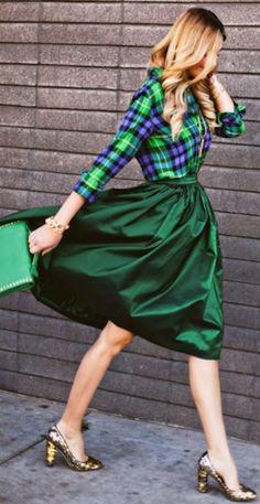 #green midi skirt http://rstyle.me/n/fm9sfr9te