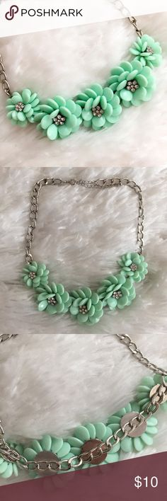 """Mint Green Floral Statement Necklace Mint Green Floral Statement Necklace. Silver chain. 20"""" long. Excellent Condition! Let me know if you have any questions. I LOVE OFFERS! INSTAGRAM: @ocaputostyle Jewelry Necklaces"""