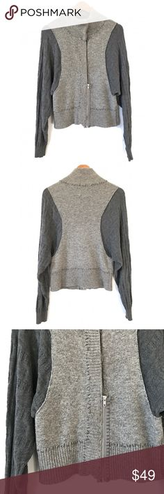 """Free People Half Zip Wool Cardigan Sweater S O1 Bust: 19"""" Length: 22.5""""  Half zip; Half Button; Dolman Sleeves  Condition: No Rips; No Stains  66% Wool 34% Cotton   📦Orders are shipped within 24hrs! {Except weekends}📦  🚫No Trades🚫No Holds🚫 Free People Sweaters"""