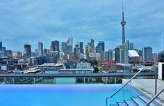 The-Thompson-Hotel-Toronto-hotellit-joissa-uima-allas-uskomattomat-parhaat-altaat-kattoallas