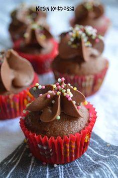 Mokkapala-muffinssit+(gluteeniton+ja+maidoton) Blue Berry Muffins, Margarita, Blueberry, Cupcakes, Eat, Desserts, Food, Blueberry Crumb Muffins, Tailgate Desserts