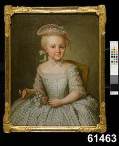 """Beskrivning:Huvudliggaren:  """"Tafla i olja. Pasch, Ulrika Fredrika: Jakobina Carolina Schulzen, f. 1763, dotter till assessor P.C. Schultzen och brorsdotter till David och Carl Fredrik von Schultzenheim, gift 1792 med sekret. J.P. FAlk, död 1813. H 0,595 Br 0,465. Knästycke, som 4 års flicka, sittande i en grönklädd förgyld stol, hufvudet en face åt höger, ljusgrå klädning med röda och gröna ränder, stråhatt med röda sniljer och blommor; i båda händerna blommor. Dräkt och målningssätt visa…"""