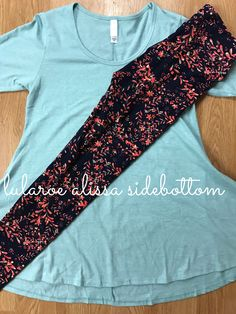 Gorgeous LuLaRoe Leggings paired with a perfect T