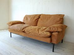 TRUCK|182. DT SOFA 2-SEATER