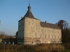 Genhoes Castle Oud-Valkenburg, Limburg 50°51′20″N 5°51′22″E