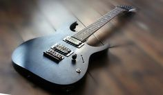 Ibanez RG421 2014 with Seymou Duncan pickups and athree way swtch, one volume
