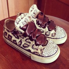 So cute cheetah-print-bling-converse Little Girl Fashion, My Little Girl, My Baby Girl, Baby Love, Kids Fashion, Girls Shoes, Baby Shoes, Bling Converse, Bling Shoes