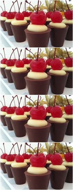 Easy Valentines Desserts for Couples in a Shot Glass - Mini Strawberry Shortcake Love Chocolate, Chocolate Coffee, Sweet Desserts, No Bake Desserts, Pineapple Shake, Cupcakes, Chocolate Cheesecake, Confectionery, Cheesecake Recipes