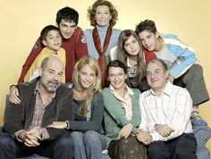 Los Serrano (serie) -- Actividad TodoEle in http://www.todoele.net/actividades_mat/Tito_Familia_PreparacionTarea.pdf