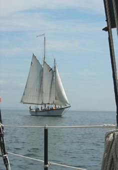 Things to Do around Camden, Maine; map to local Lighthouses.