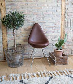 Sonoma Seven | Drop chair in leather | Dråben | Arne Jacobsen | Fritz Hansen | http://sonomaseven.dk