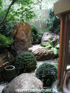 Tsukubai – Water Stone - All For Garden Asian Garden, Japanese Garden Style, Japanese Gardens, Zen Garden Design, Landscape Design, Small Gardens, Outdoor Gardens, Zen Gardens, Water Gardens