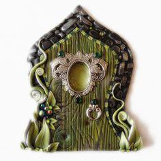 The Green Fairy Fairy Door Pixie Portal Absinthe by Claybykim Polymer Clay Fairy, Polymer Clay Projects, Polymer Clay Creations, Fairy Garden Doors, Fairy Doors, Fairy Gardens, Miniature Gardens, Absinthe Fairy, Crea Fimo