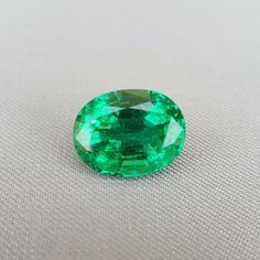 Emerald 12.48 ct Total price: $37440 Treatment: oil Dimensions (mm): 16.6x12.8x9.6 Origin: Zambia ID: em-1248-1