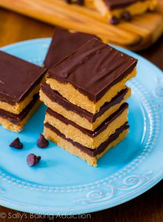No-Bake Reese's Peanut Butter Bars. They taste like giant Reese's Cups!  Easy, quick, and only 5 ingredients needed! sallysbakingaddiction.com
