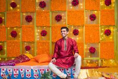 Interesting for Sangeet! Doesn't have to be real flowers Marriage Decoration, Wedding Stage Decorations, Engagement Decorations, Backdrop Decorations, Wedding Mandap, Desi Wedding, Housewarming Decorations, Mehndi Decor, Haldi Ceremony