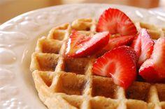 whole wheat and oatmeal waffles  @yourhomebasedmom.com  #waffles,#wholewheat