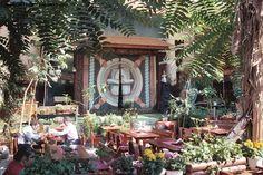 Top 10 restaurante din Bucuresti cu specific vanatoresc Table Settings, Plants, Restaurant, Place Settings, Plant, Planets, Tablescapes