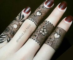 In this article we have brought Most Beautiful Mehndi Designs 2020 for Fingers & Feet for you. This is a way that you can create your own style and. Henna Designs Arm, Finger Mehendi Designs, Pretty Henna Designs, Modern Mehndi Designs, Mehndi Designs For Girls, Mehndi Designs For Beginners, Mehndi Design Photos, Mehndi Designs For Fingers, Beautiful Mehndi Design