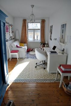 Perfect Student Room. Sweet, Simple And Just Beautiful ähnliche Tolle  Projekte Und Ideen Wie