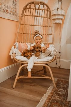 Do you have a favorite mommy and daughter duo? If you said Krista & Kolly Horton we couldn't agree with you more! Bringing you a room fit for a Kolly girl. Cute Kids, Cute Babies, Cute Children, Toddler Girl, Baby Kids, Foto Baby, Big Girl Rooms, Girl Bedrooms, Teen Bedroom