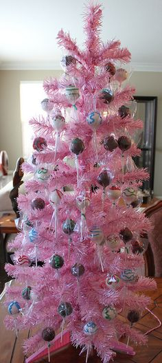 holiday cake pop booth by Kim's Sweet Karma,  (read Comments for info)