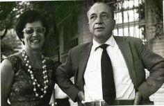 O Poeta com sua amiga Lara de Lemos, a quem ele dedicou um lindo poema.