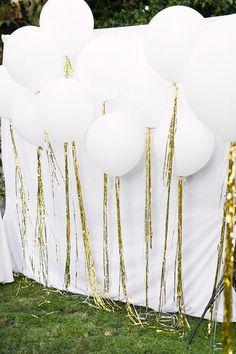 white balloon wedding photobooth / http://www.himisspuff.com/giant-balloon-photos/8/
