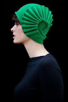 chic hat / green Fibonacci type shell pattern