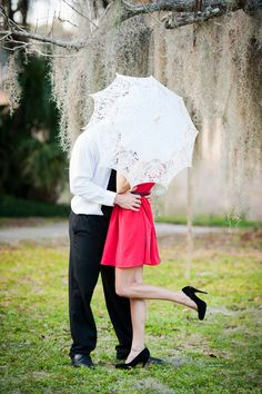 Beyond love this lace parasol! #engagement #love