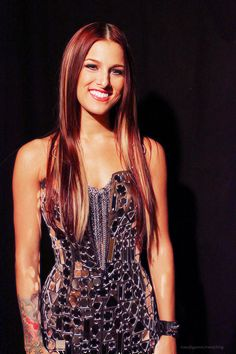 Cassadee Pope. I WANT HER HAIR.