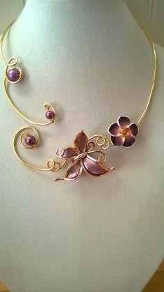 Wedding jewelry Eggplant jewelry purple by LesBijouxLibellule Purple Necklace, Purple Jewelry, Wire Necklace, Wire Wrapped Necklace, Butterfly Necklace, Metal Necklaces, Collar Necklace, Women's Earrings, Stylish Jewelry