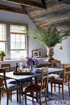 This Is How You Style a Rustic Farmhouse via @MyDomaine Farmhouse Dining Room Table, Dining Room Wall Decor, Dining Room Design, Room Decor, Rustic Farmhouse, Dining Rooms, Farmhouse Style, Rustic Cottage, Rustic Table