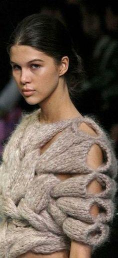 The most special design sleeves for a sweater!  Resultado de imagem para knitting fashion